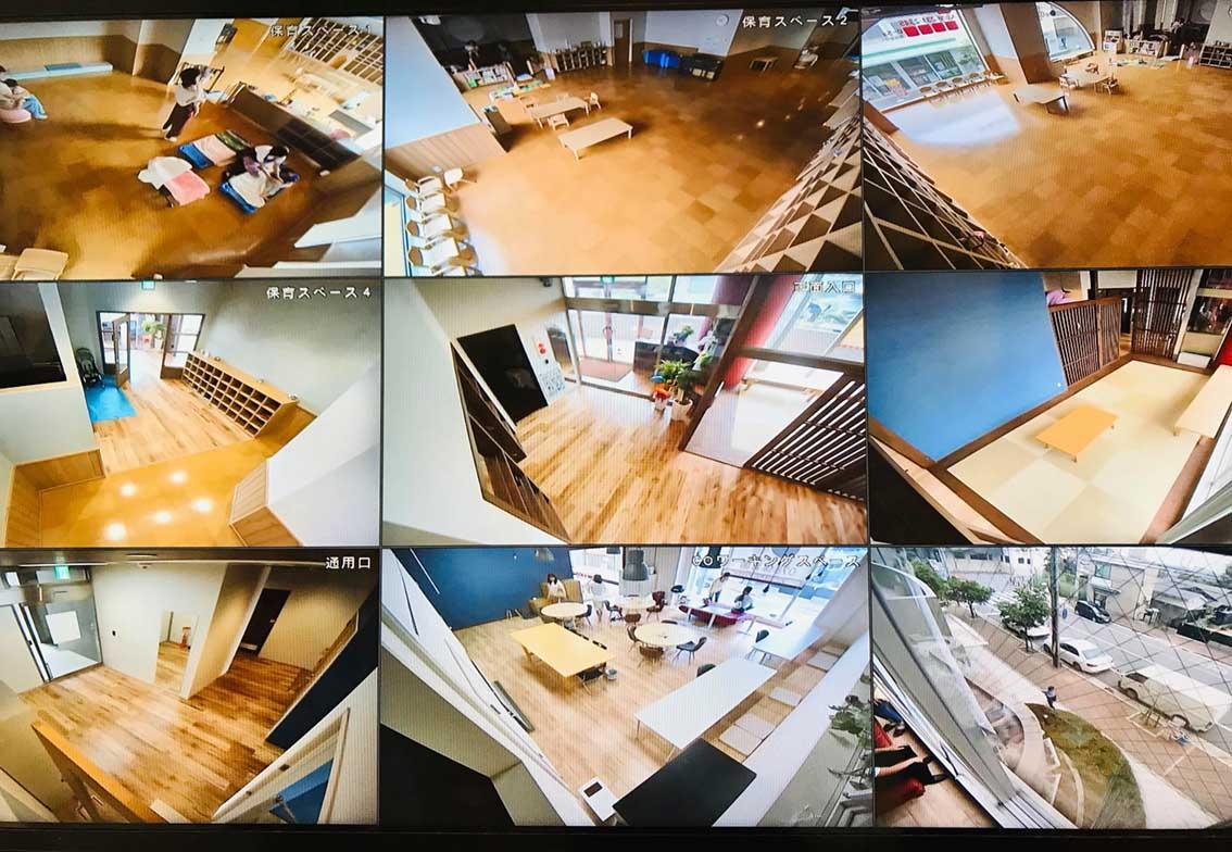 天井にはウェブカメラを設置。